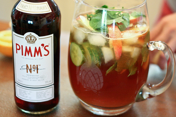 how to serve pimms and lemonade