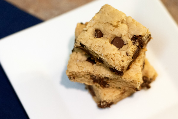 Chocolate Chip Cookie Bars – The Culinary Couple