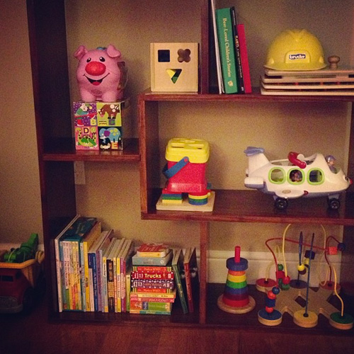 toddler-bookshelves