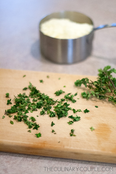 parmesan-thyme-crackers-1