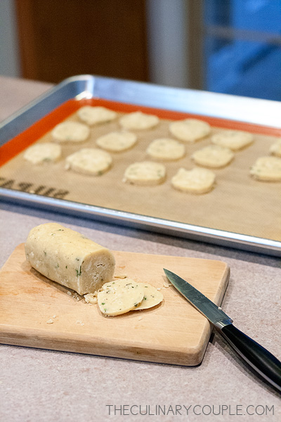 parmesan-thyme-crackers-5