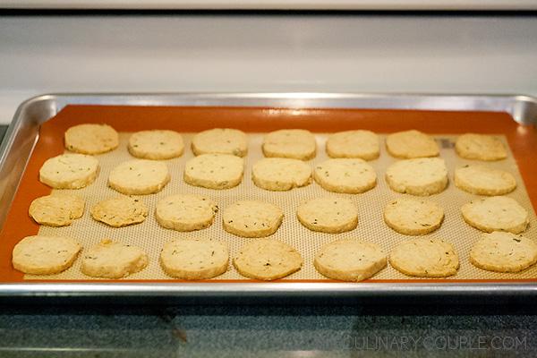 parmesan-thyme-crackers-6